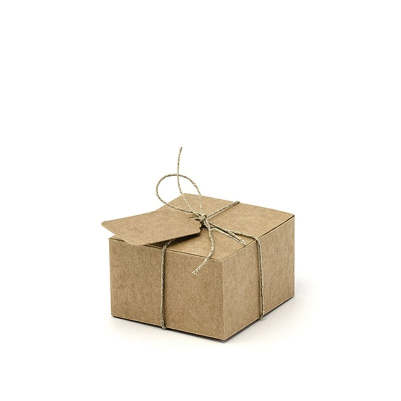 10 boxes 6 x 5.5 x 3.5 cm, kraft cardboard, with tags for guest gift