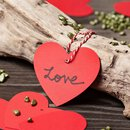 Red hearts, 12 gift tag with bakers twine